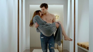 x_tdy_fifty_shades_trailer_140724