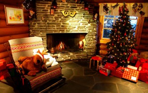 New_Year_wallpapers_New_year_tree_and_the_fireplace_050608_