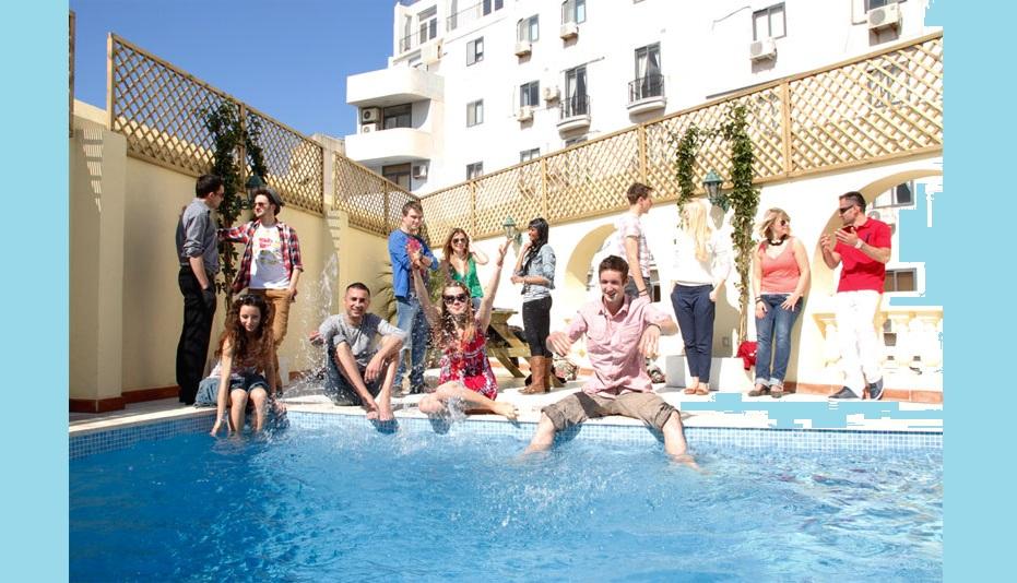 Все хотят учить английский под теплым солнышком... А вы?
