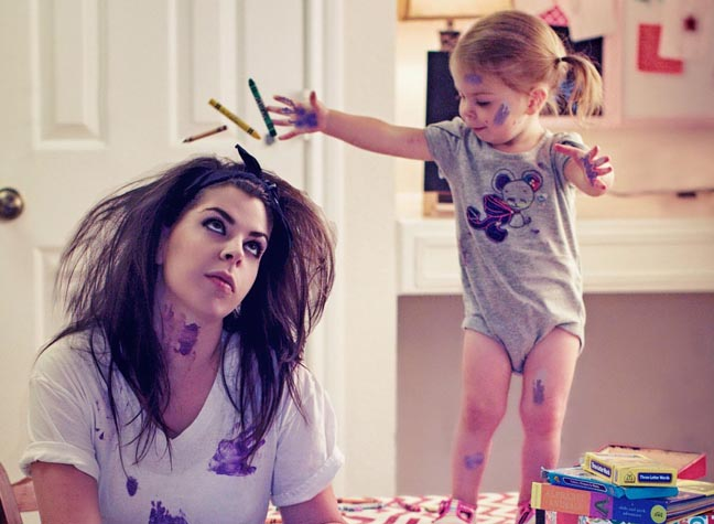 Mother captures chaotic life with toddler in fun photo series, Jan 2015