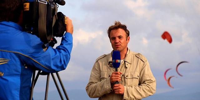 Топик по английскому языку о странном хобби— Appearing in the background on TV